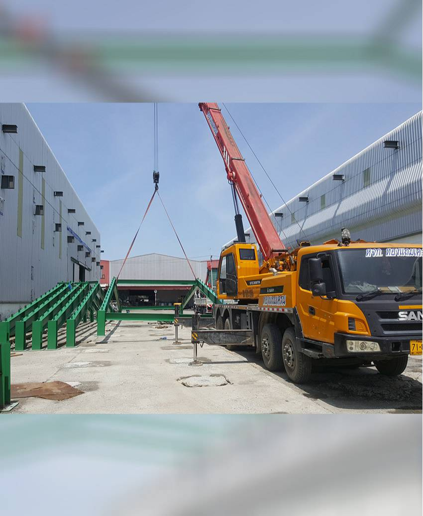 งานติดตั้งโครงสร้างจั่วหลังคาโรงงาน